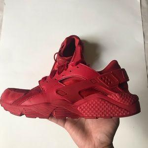 Nike Air Huarache size 9